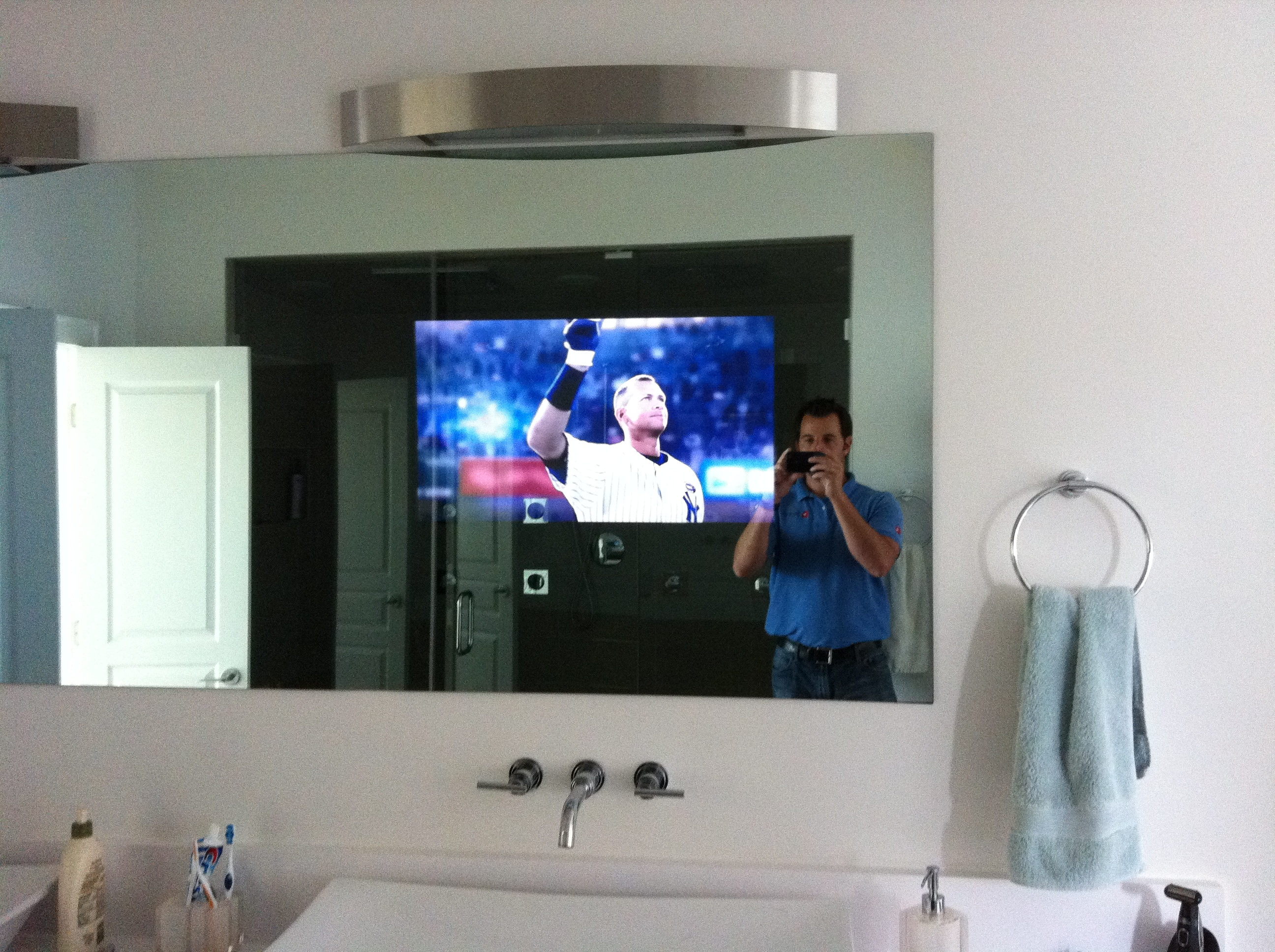 Bathroom Mirrors With Tv Behind It