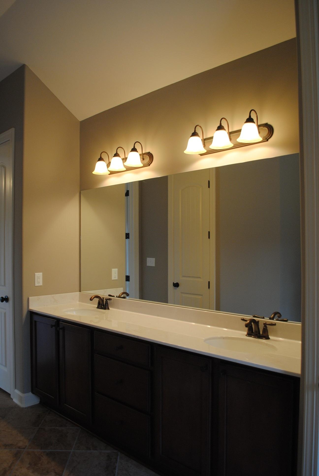 Bathroom Wall Lights Above Mirror