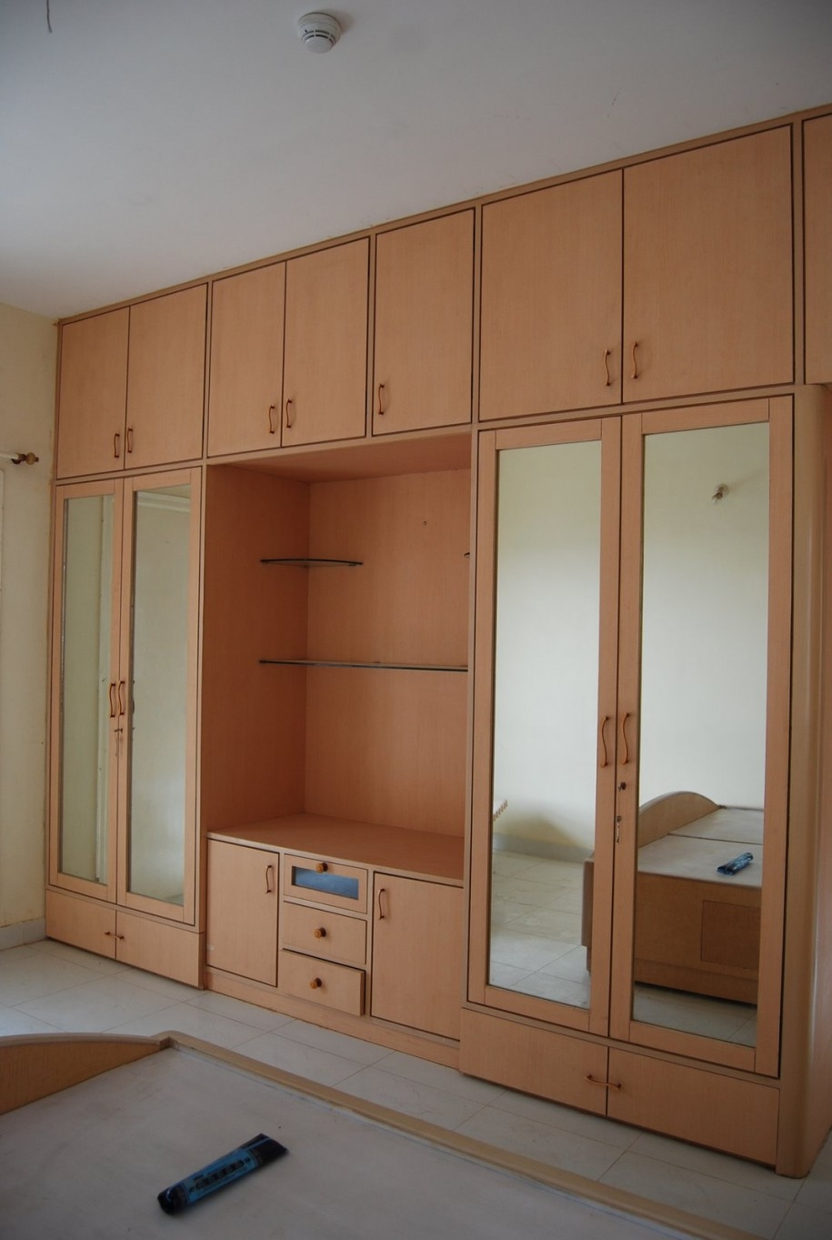 Bedroom Wall Cabinet With Mirror