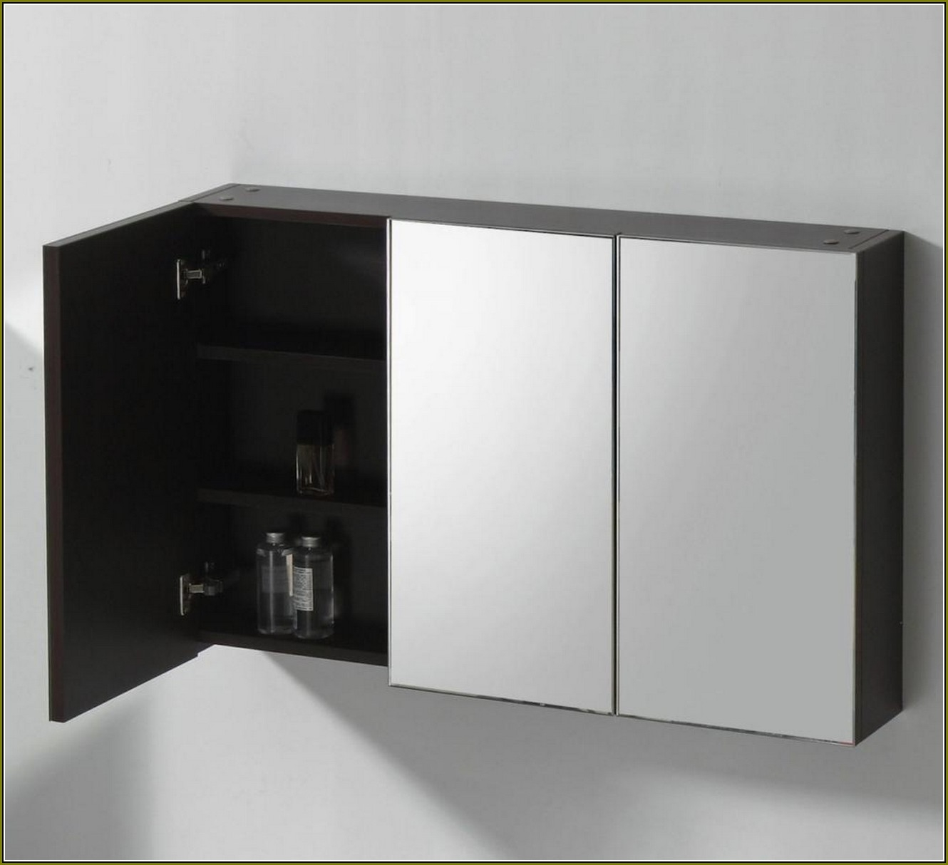Gedy 3 Door Mirrored Bathroom Cabinet