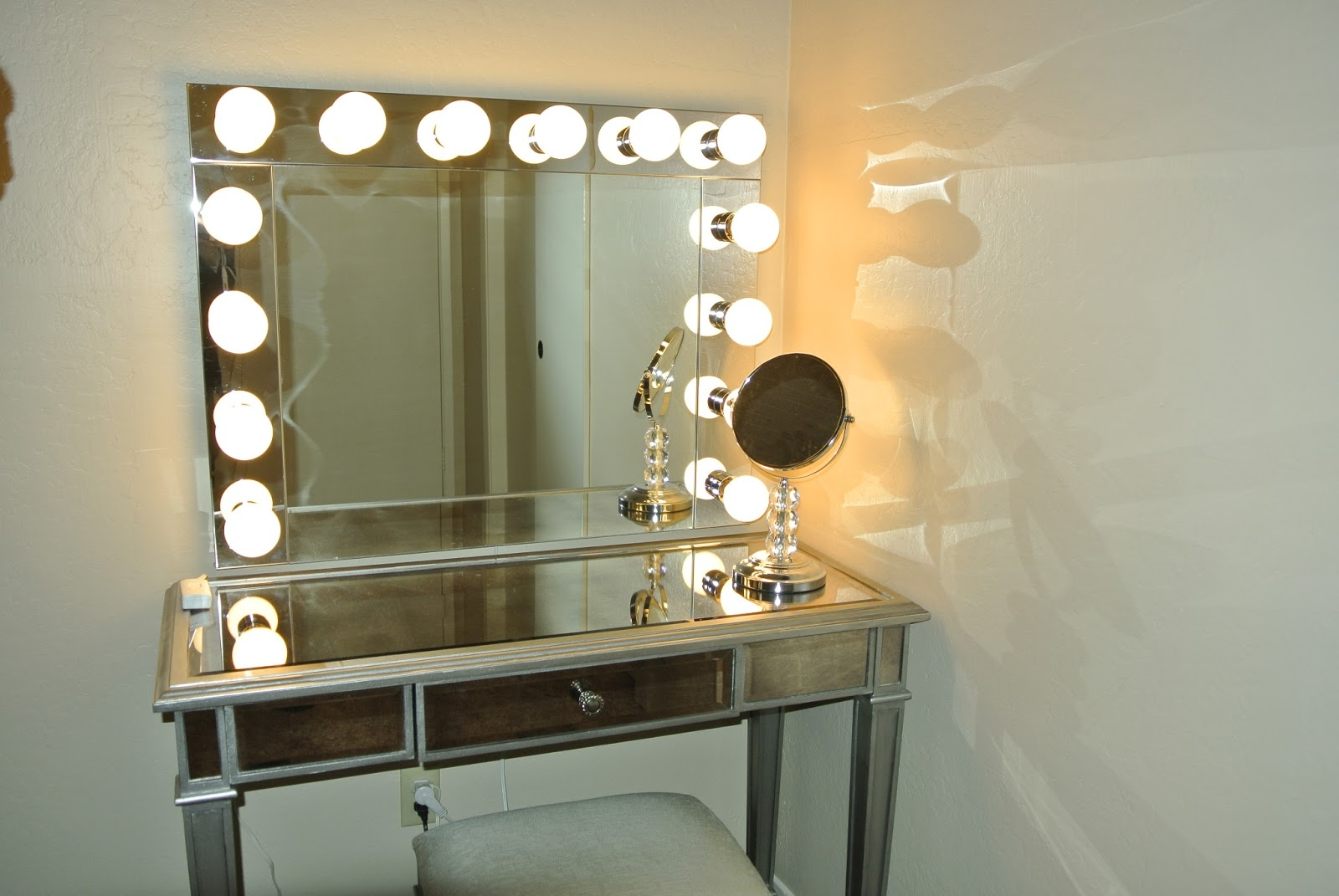 Permalink to Illuminated Makeup Wall Mirror