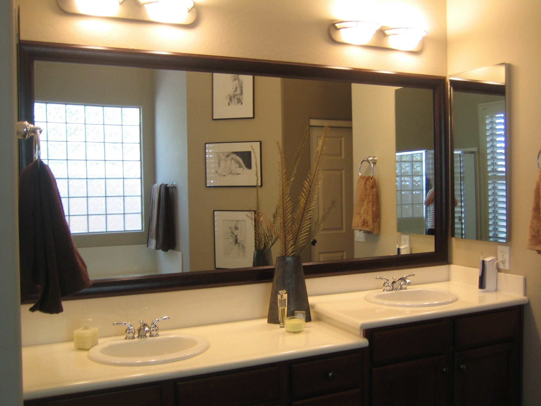 Large Framed Bathroom Wall Mirrors