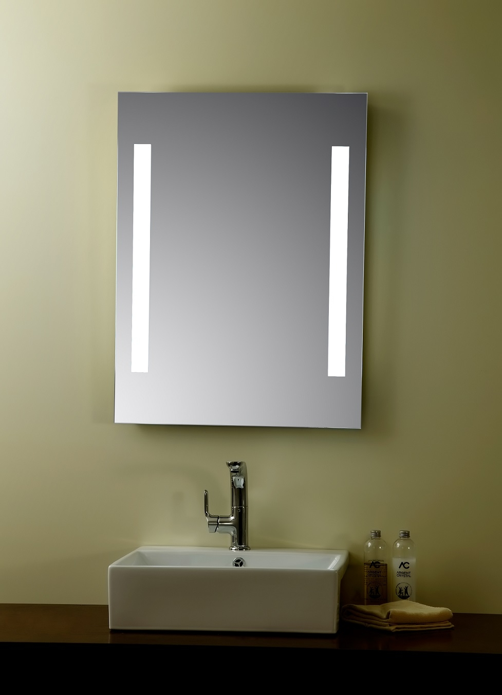 Lighted Magnifying Mirrors For Bathrooms