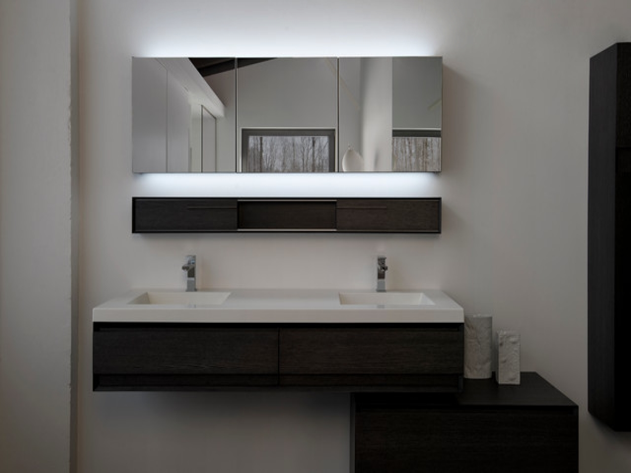 Modern Bathroom Mirror Designsbathroom white porcelain flooring marble framed bathtub white