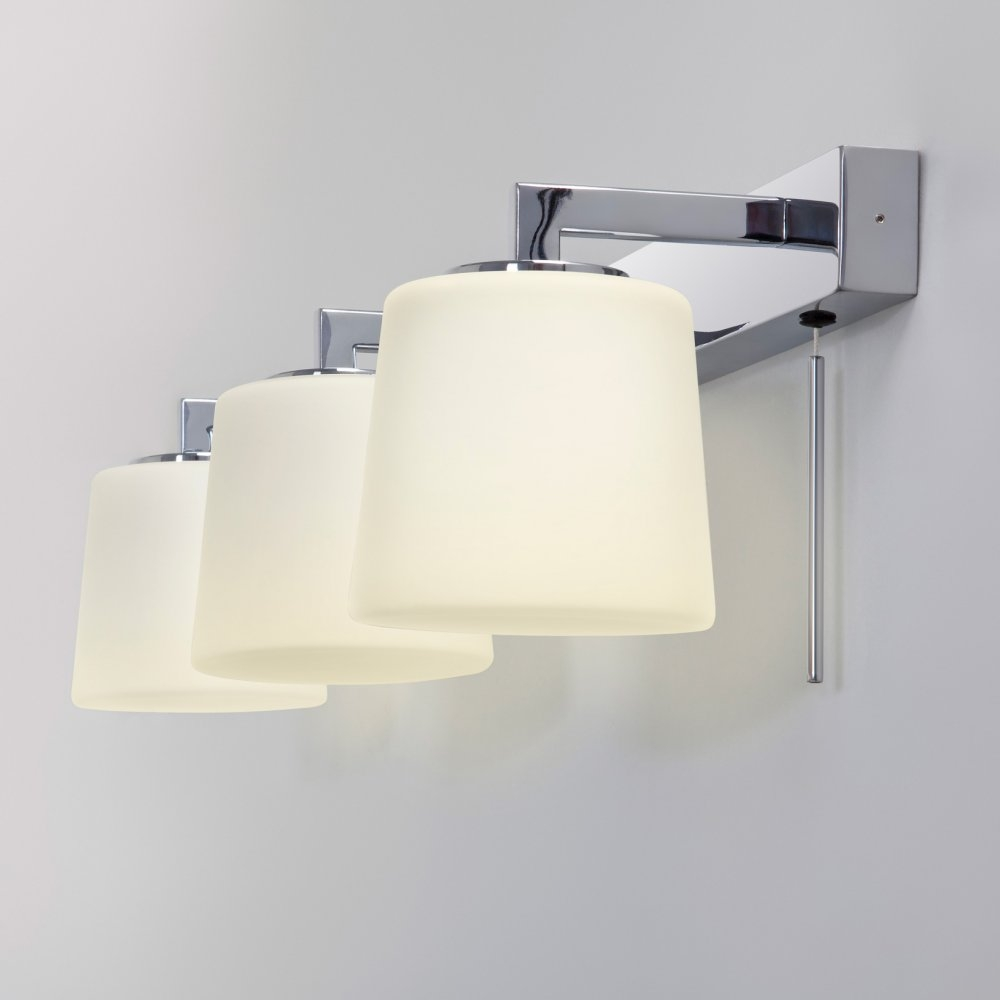 Over Mirror Bathroom Light Pull Cord
