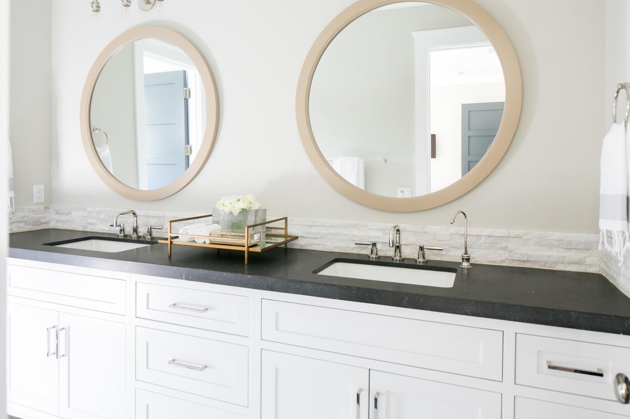 Round Mirror Over Bathroom Vanity