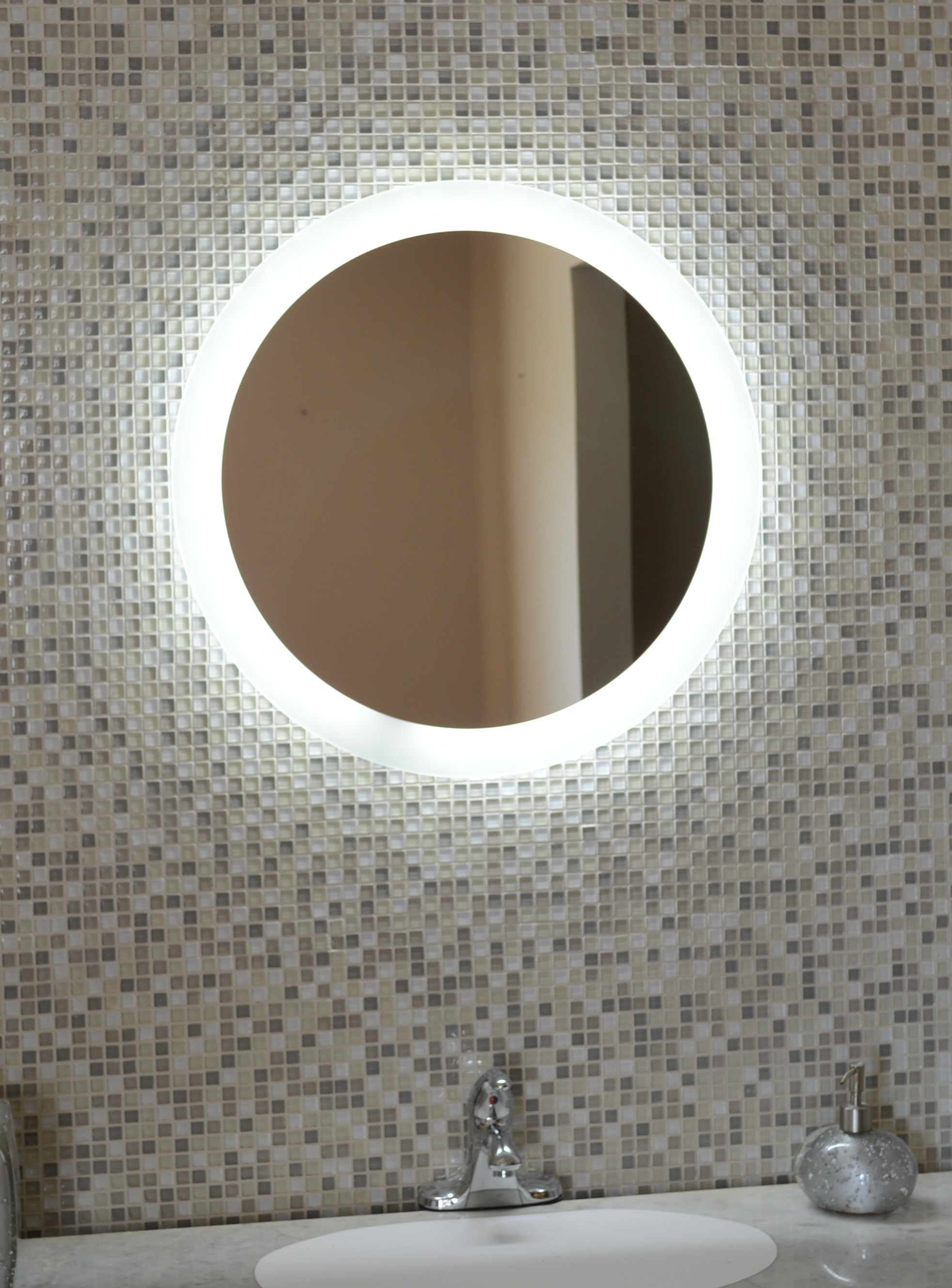 Round Mirrors With Lights For Bathrooms