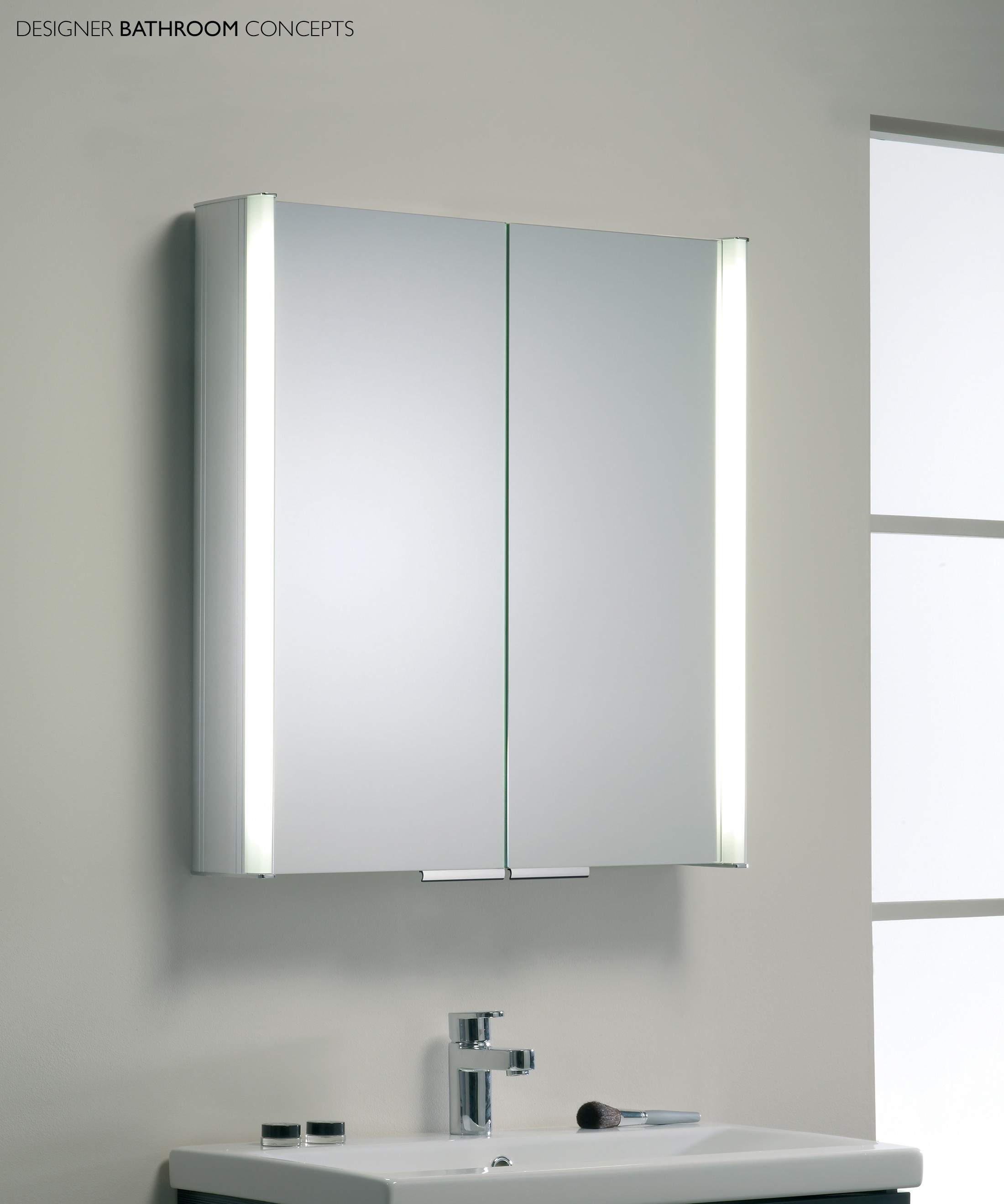 White Bathroom Mirror Cabinet With Lights