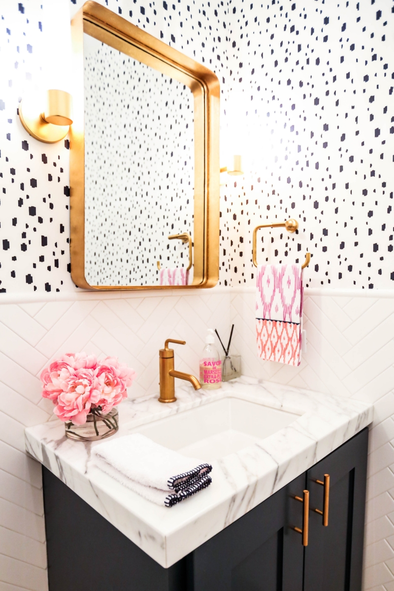 Will Wallpaper Stick To Mirror