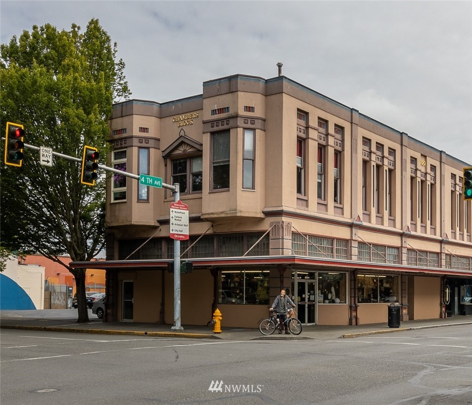 100 4th Avenue E Property Photo