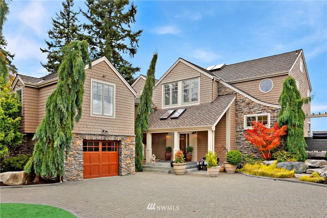 3209 Shore Avenue Property Photo 1