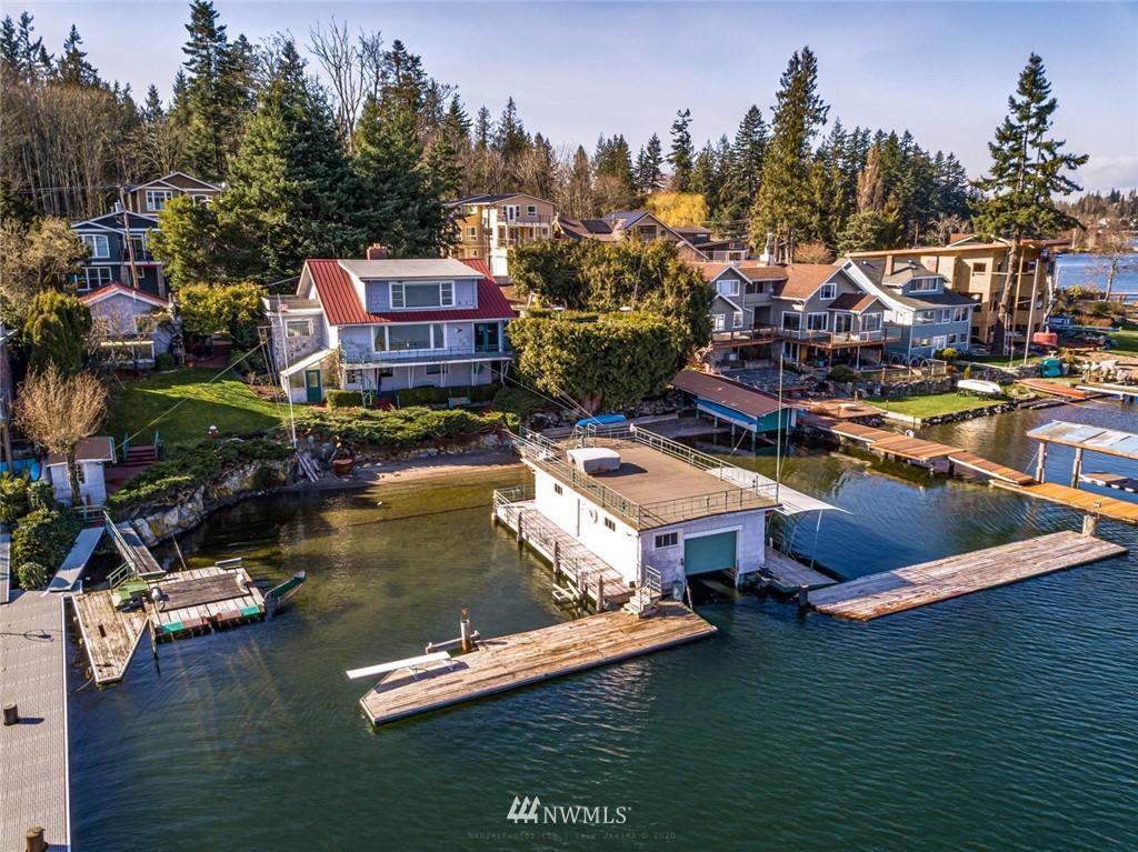 Lakeside Property Photo