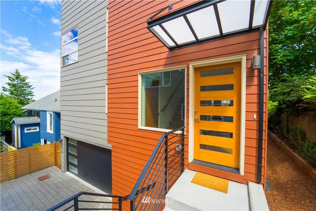 2638 1st Avenue Property Photo