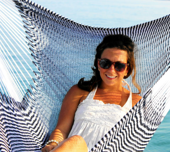 hammock-chair-blue-white-yellow-leaf-sailboat