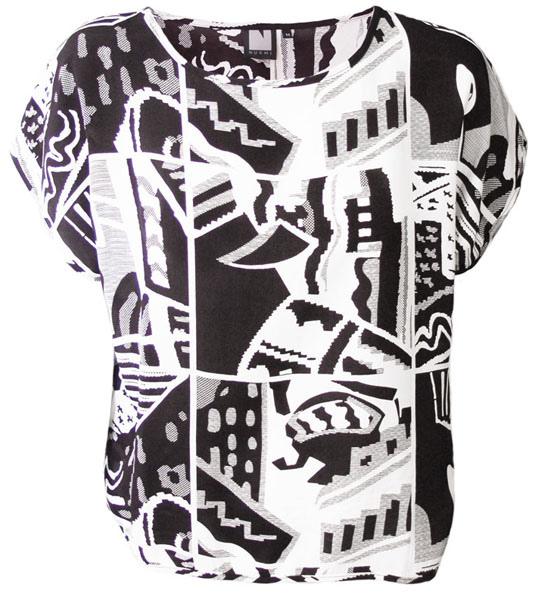 Nurmi-Aura-shirt-bw