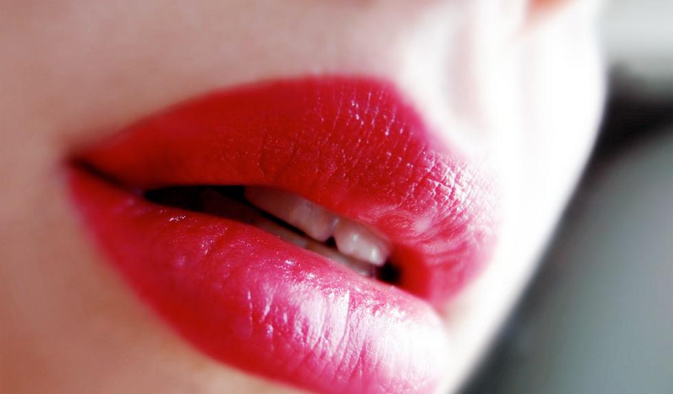 Classic Red Lips Main