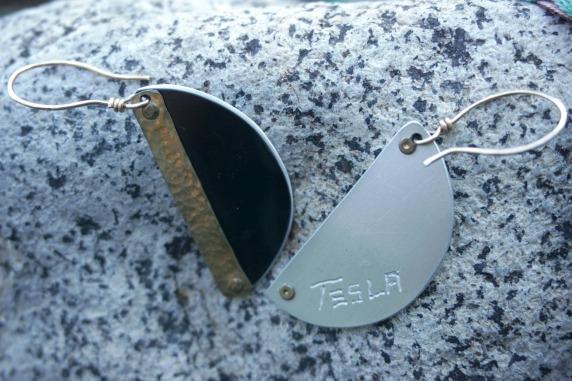 Crash-earrings-tesla