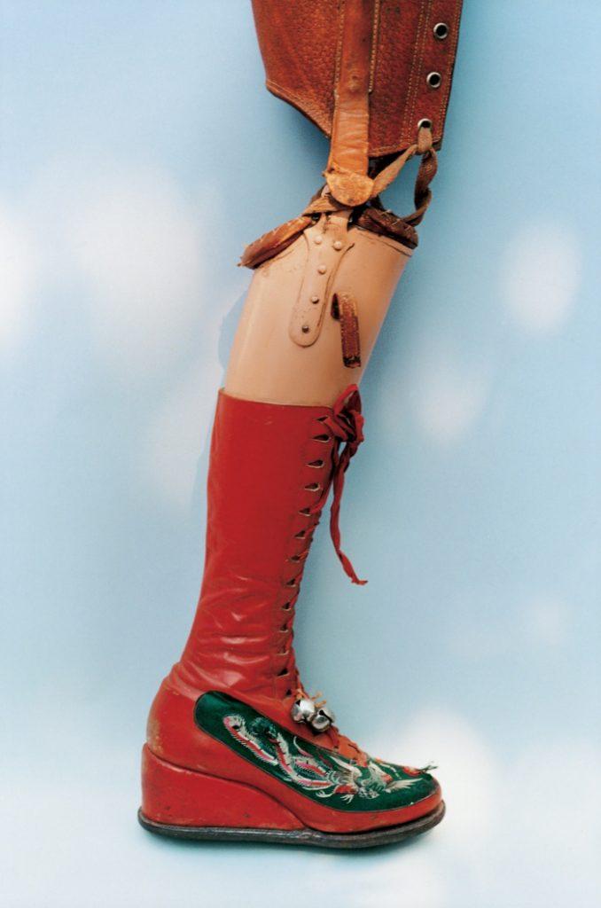 Frida-Kahlo-prosthetic-leg
