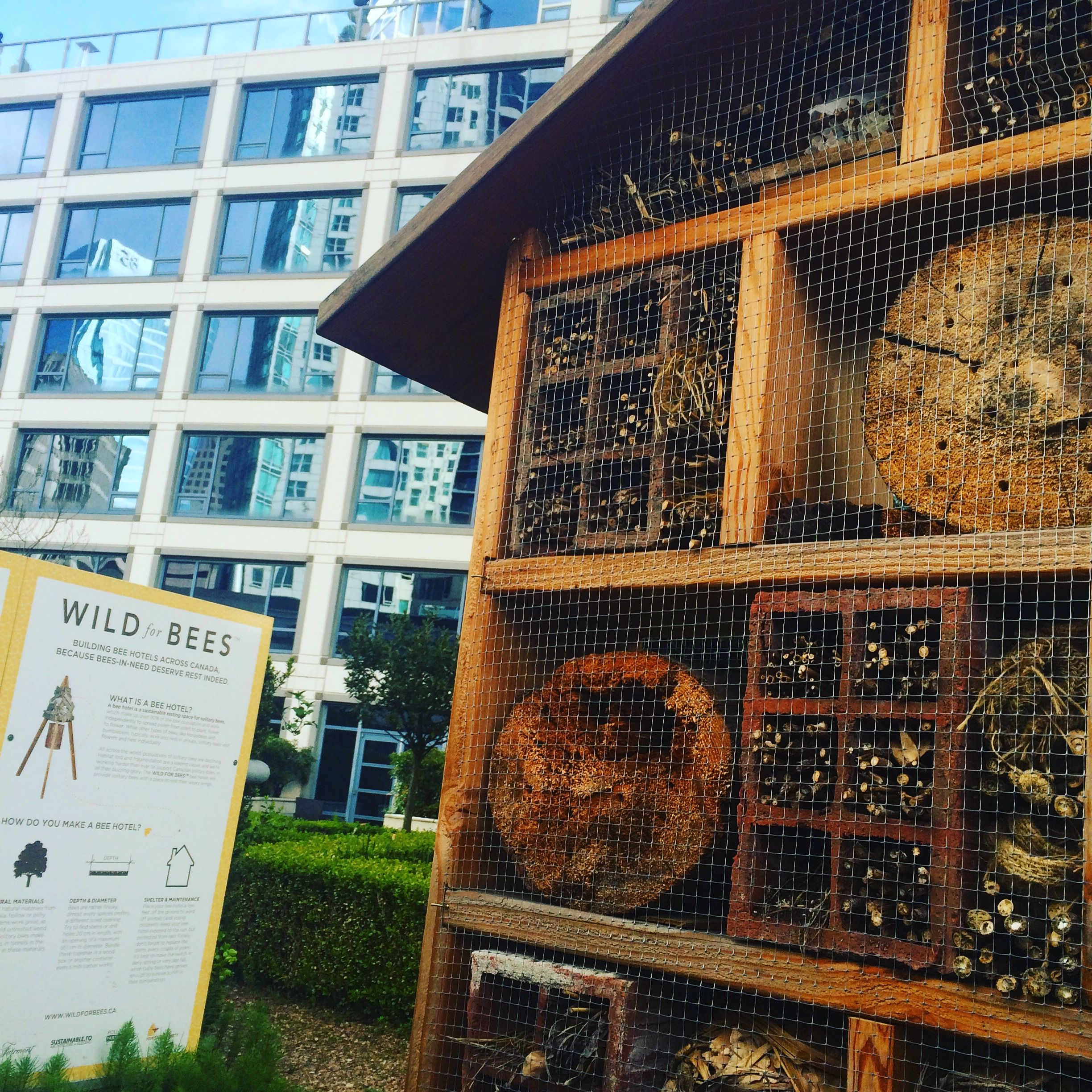 Fairmont-Vancouver-Bee-House