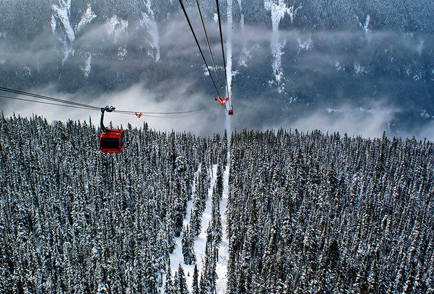 canada-whistler-peak-2-peak-gondola-1