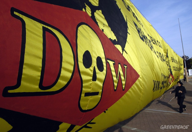 greenpeace-displays-a-banner-w