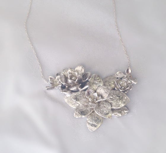 tiramin-succulent-delicate-chain