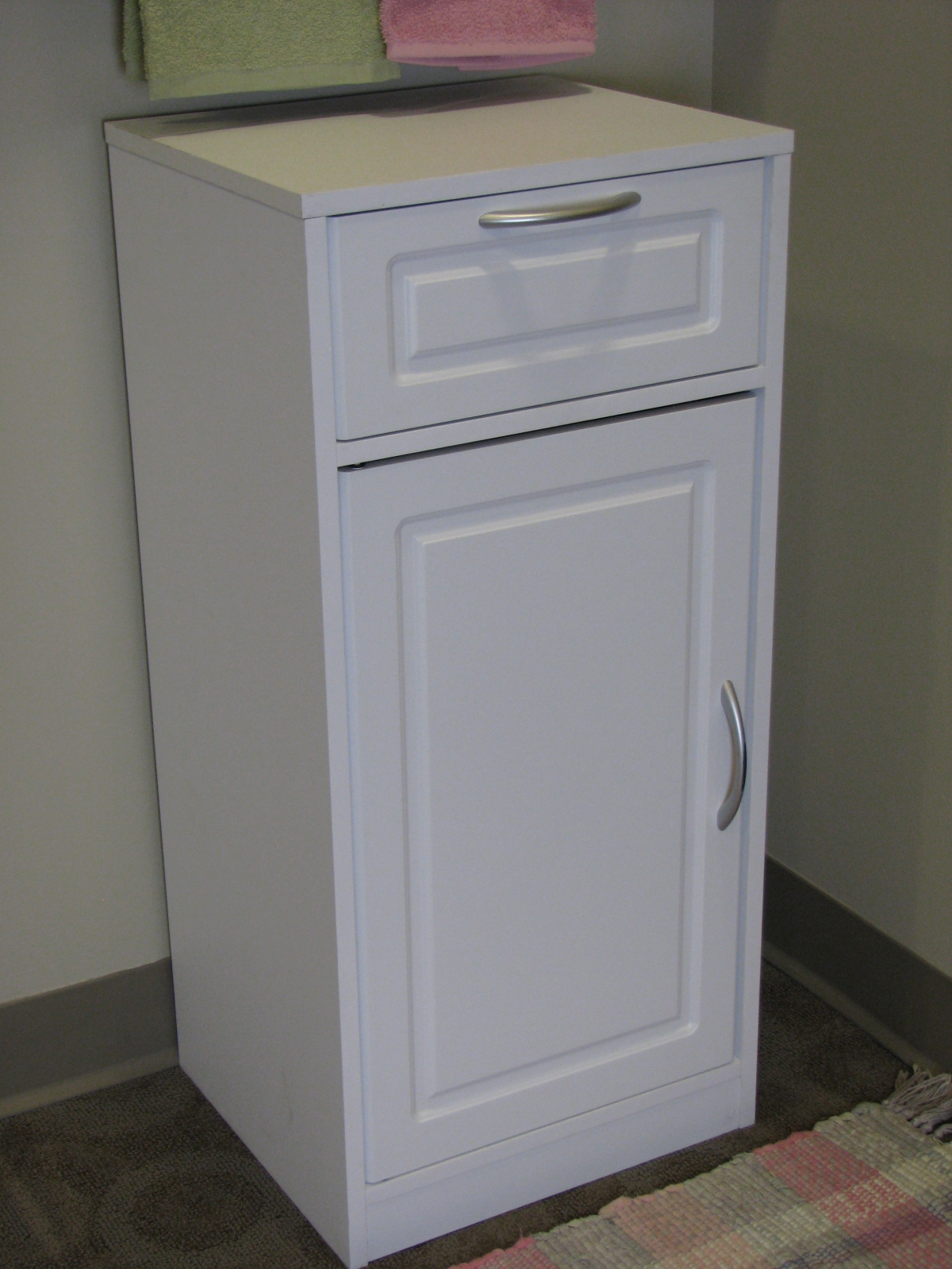 Diamond Goslin Bathroom Wall Cabinet