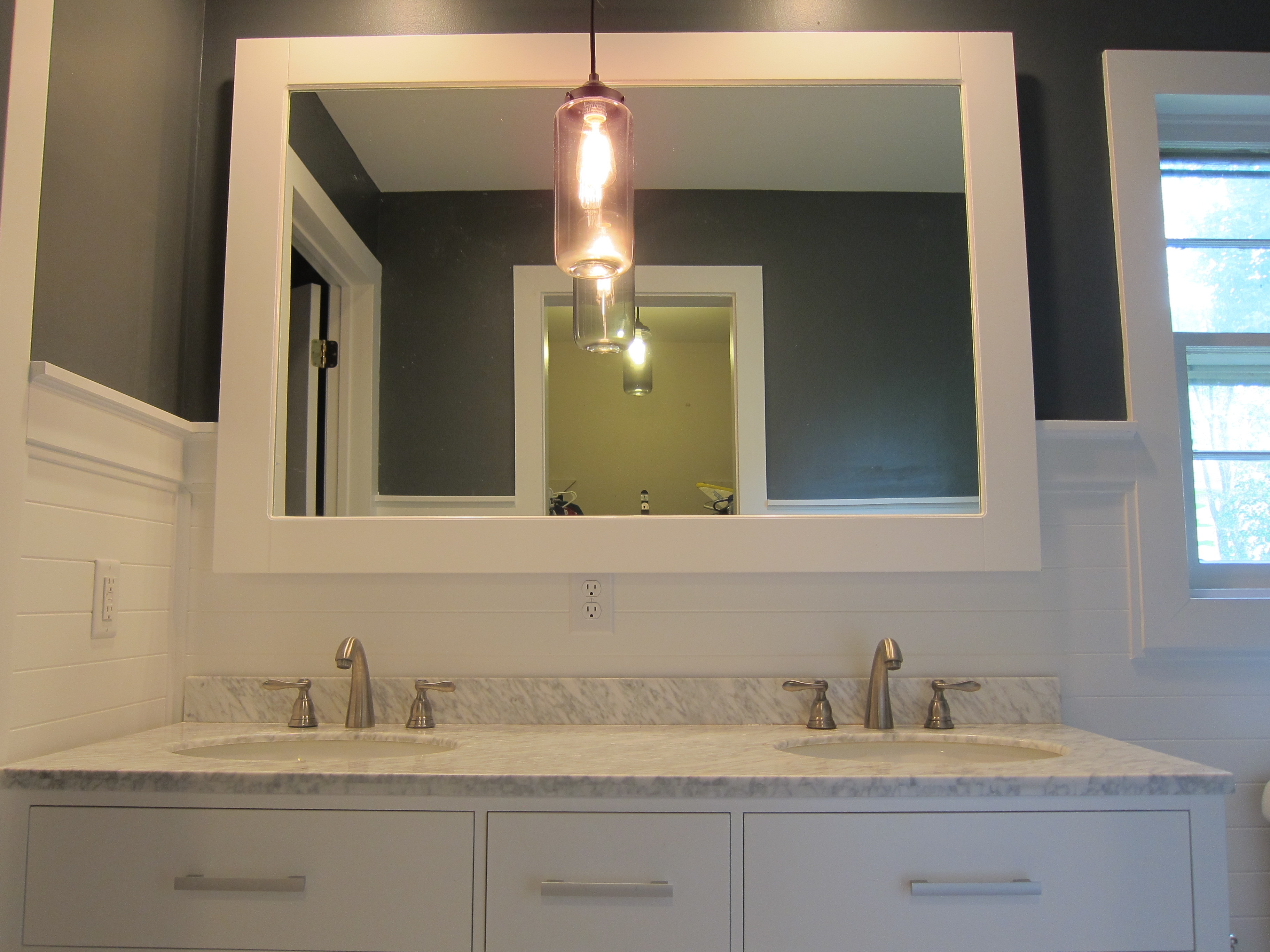 Ready Made Free Standing Bathroom Cabinets