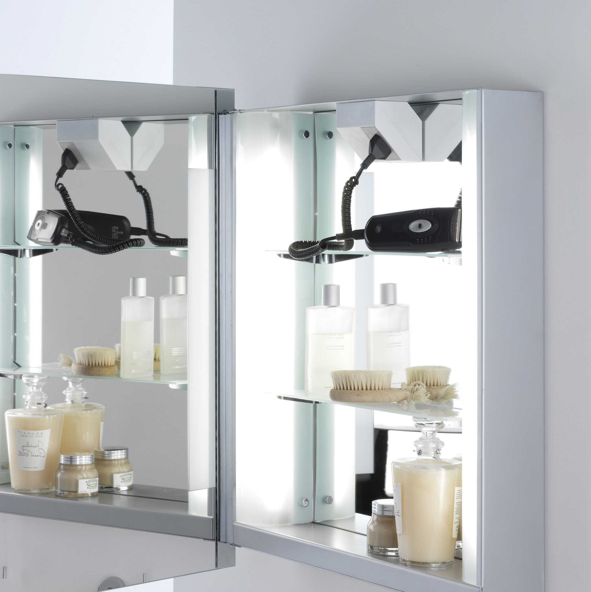Bathroom Cabinet Mirrors With Shaver Sockets