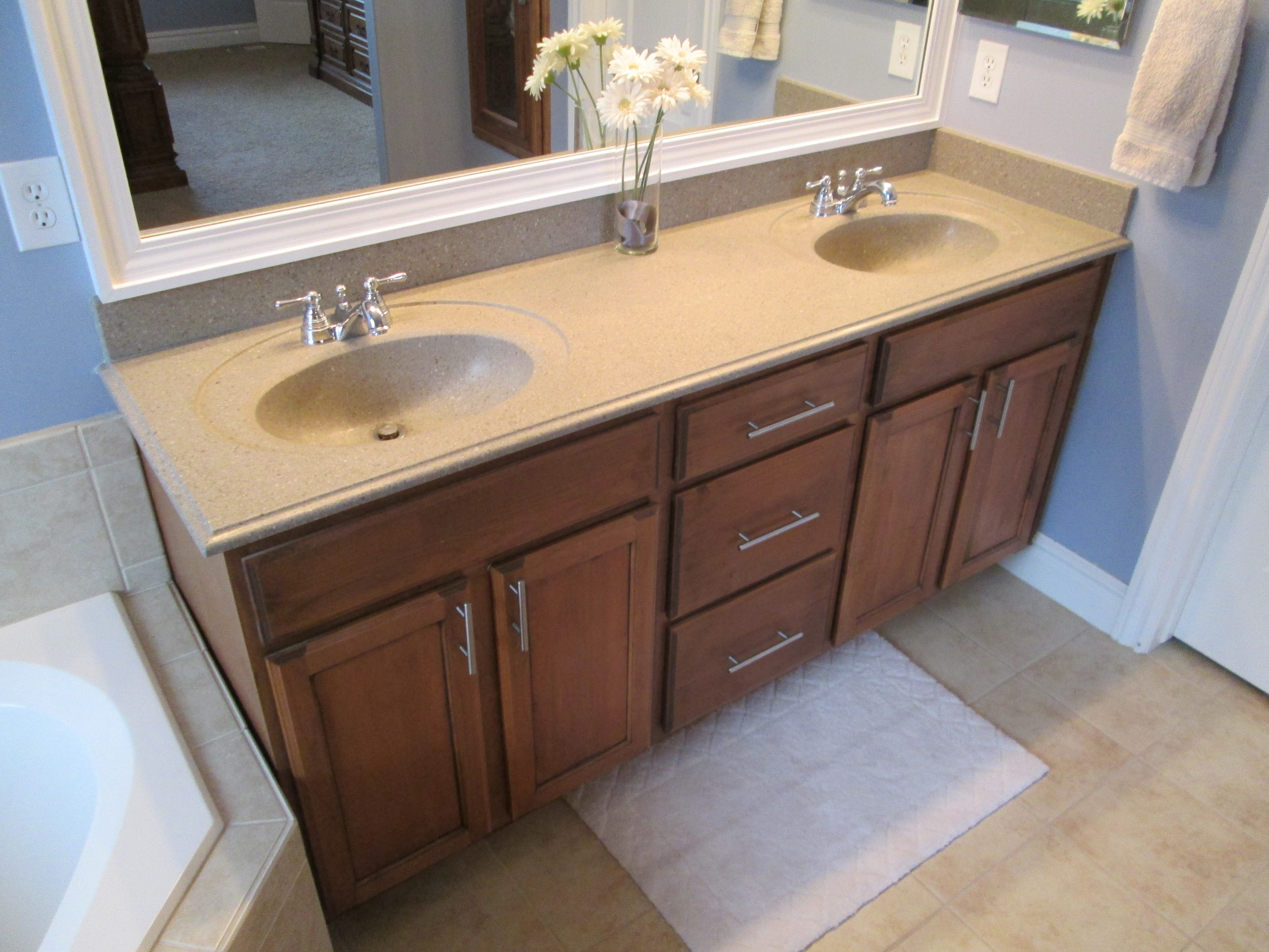 Bathroom Cabinets With Hardware