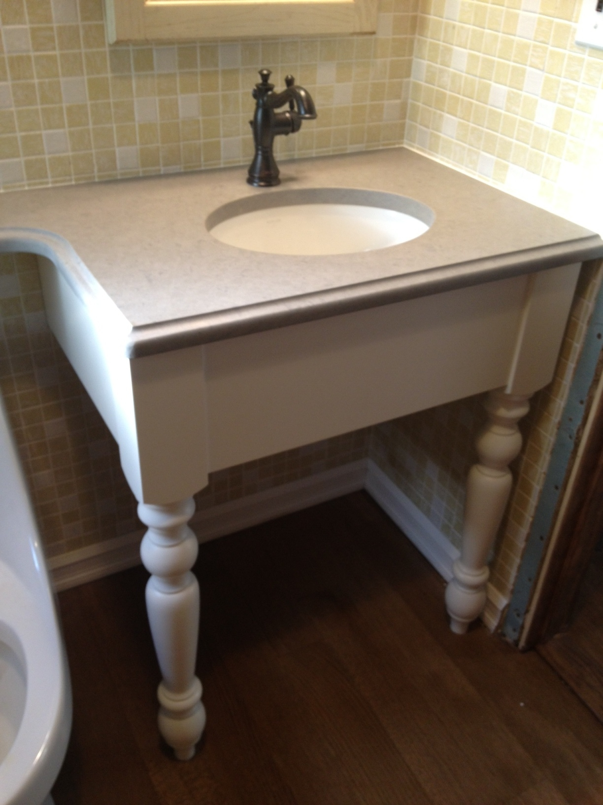Bathroom Cabinets With Legs