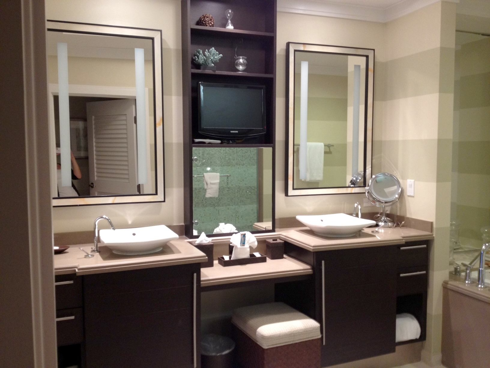 Bathroom Vanity With Two Side Cabinets