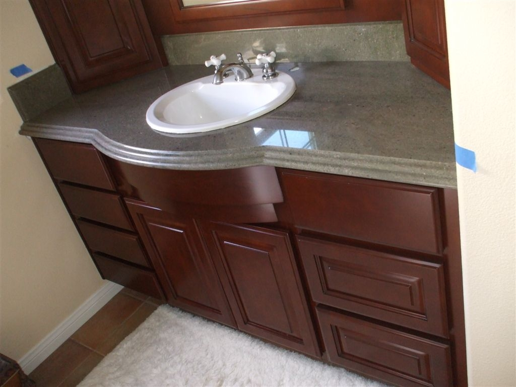 Built In Bathroom Vanities And Cabinets