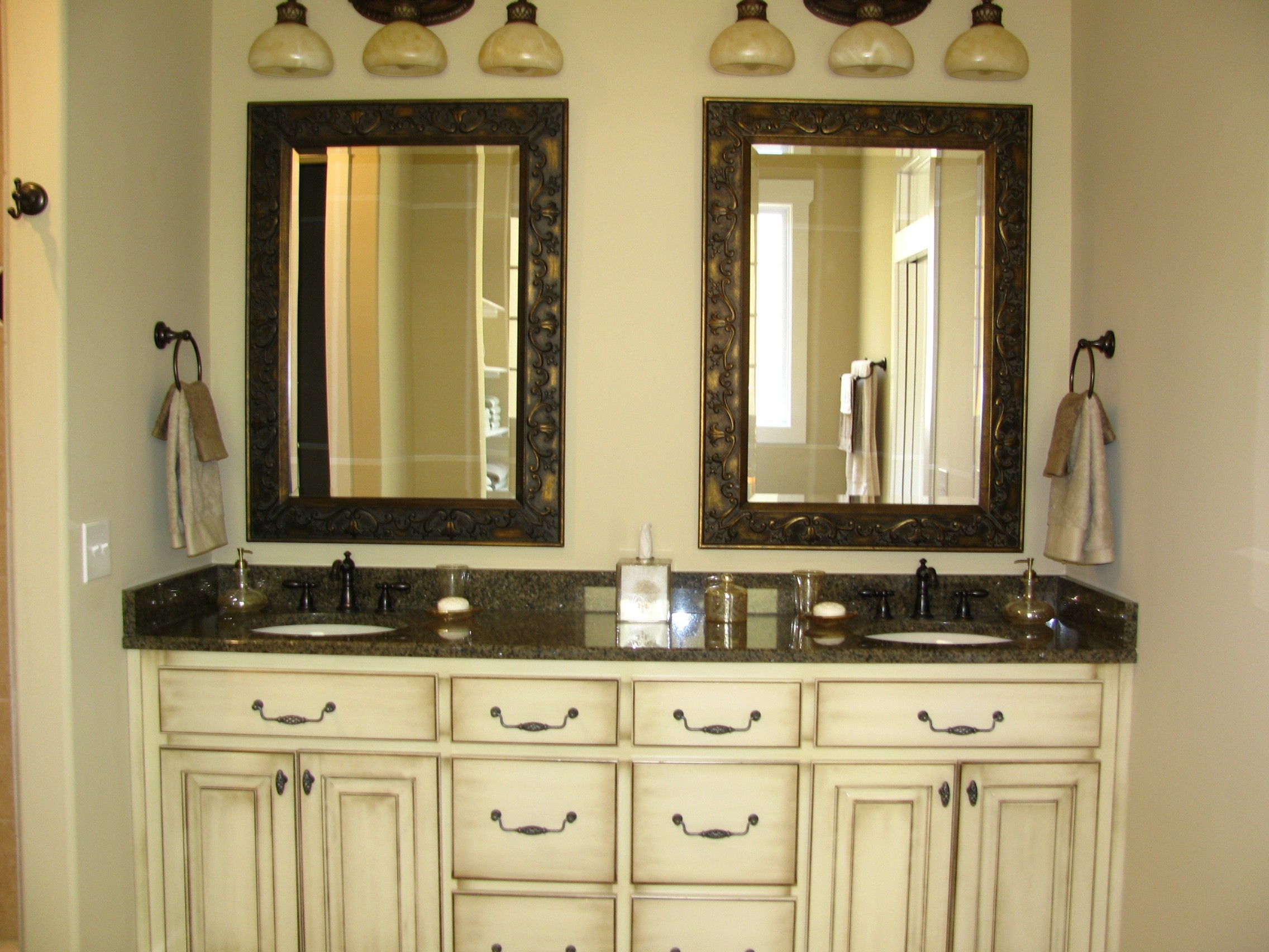 Vintage Bathroom Vanity Mirrors