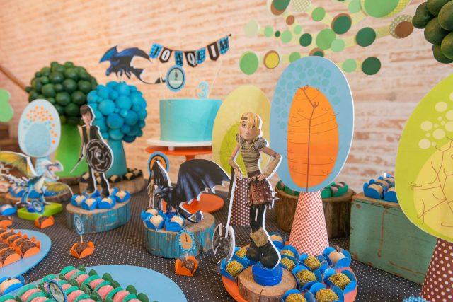 personagens mesa de doces decoração festa temática dragão fotografa de aniversario fotografia de festas infantis sp são paulo