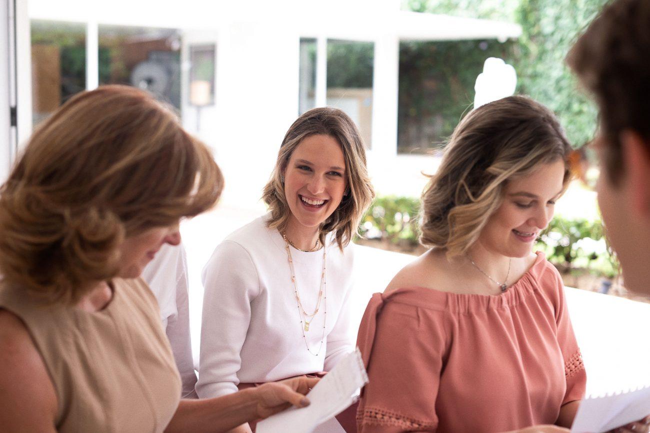 mulheres mãe e filhas fotografia de família fotos lifestyle de família laura alzueta