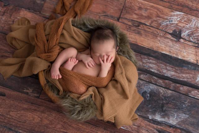 fotografia-newborn-enrico-16-dias-laura-alzueta-002