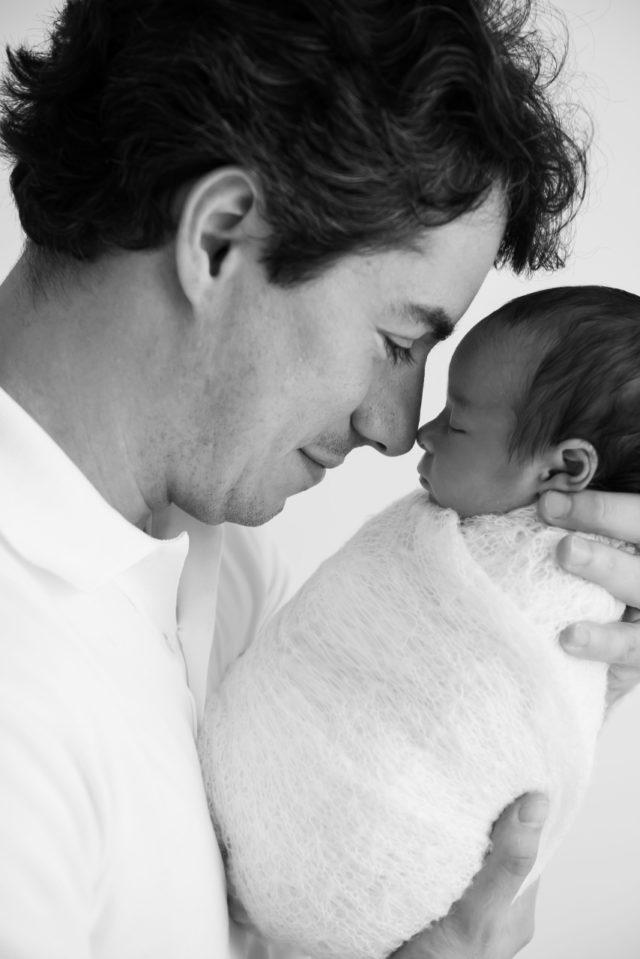 pai com bebê presente para pais dias dos pais fotografia com pais e filhos fotografa de familia sao paulo sp laura alzueta