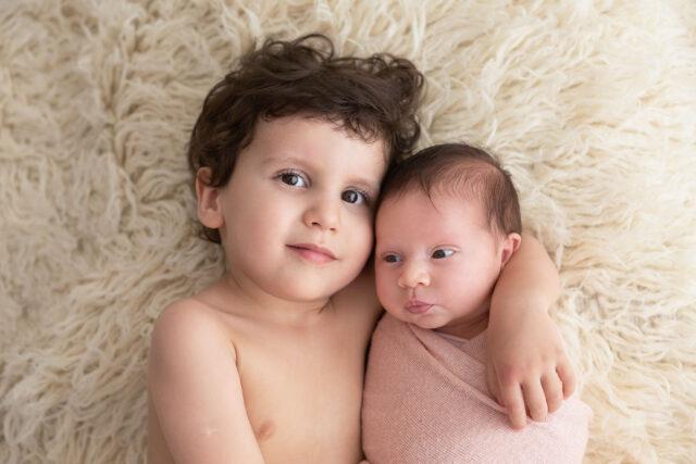ensaio de família, fotografia newborn, foto de bebês, fotografia de família, ensaio com bebês, ensaio newborn, ensaio com irmãos