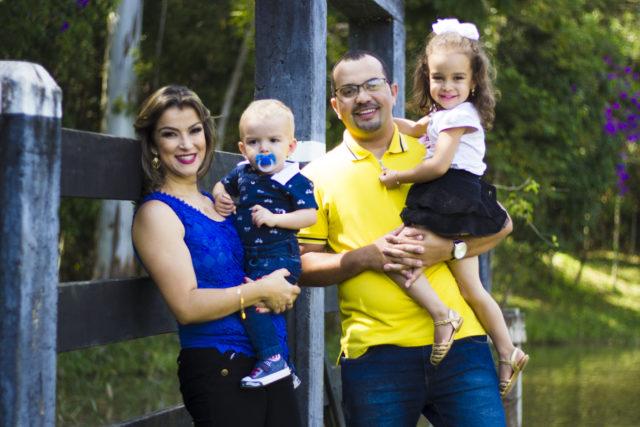Ensaio fotográfico com o casal Israel e Ângela e seus dois filhos, João e Ana Lívia.