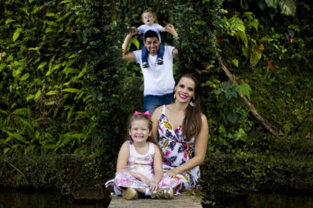 Ensaio fotográfico com o casal Luiz Henrique e Kátia e seus dois filhos, Nícolas e Manuela.