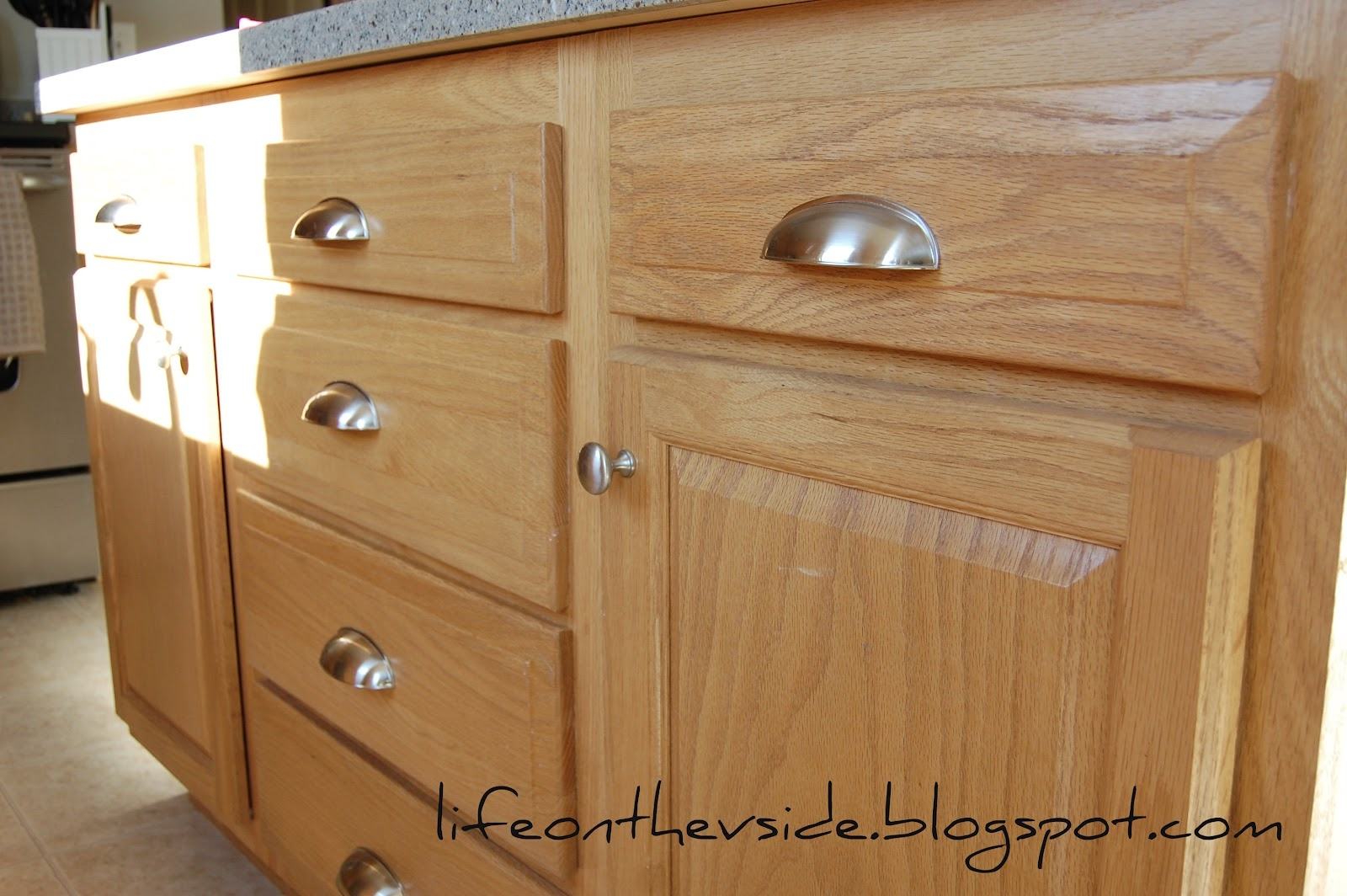 Kitchen Cabinets Handles Pictures
