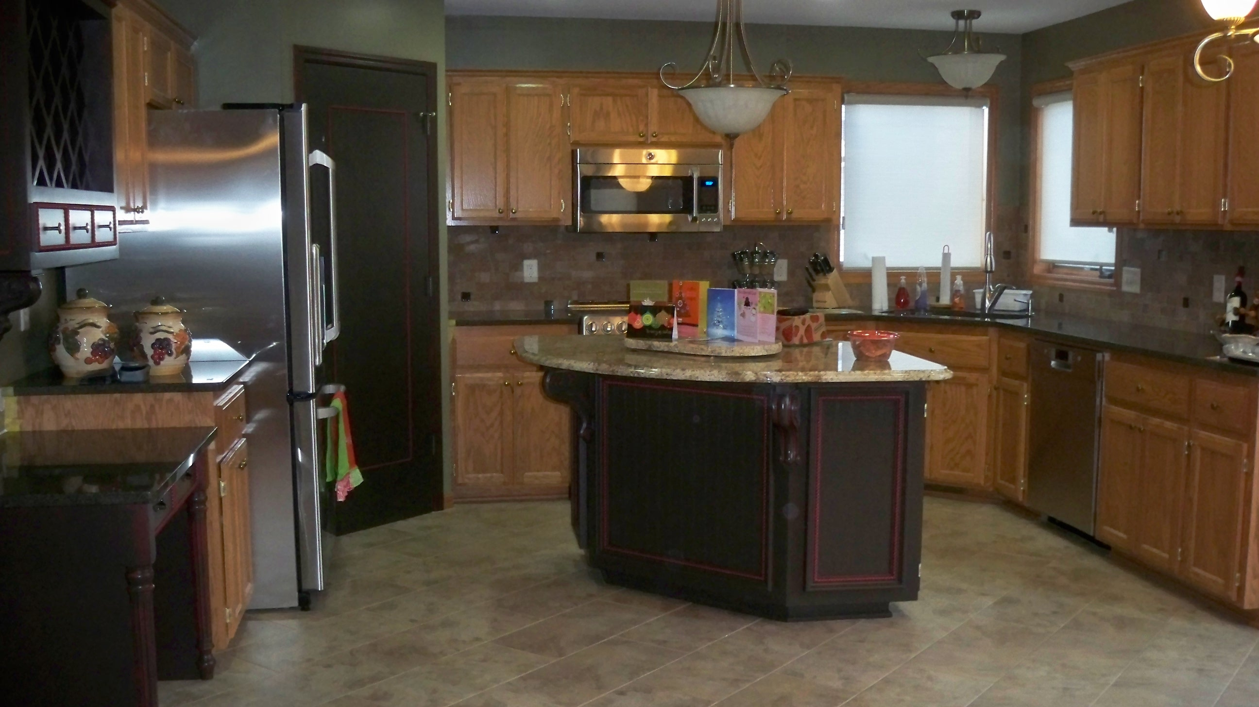 Oak Kitchen Cabinets With Gray Walls