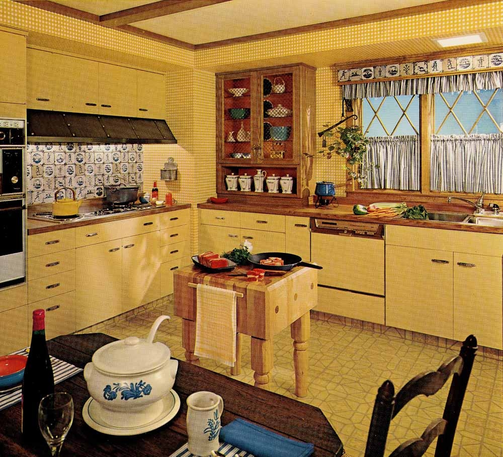 1970'S Style Kitchen Cabinets