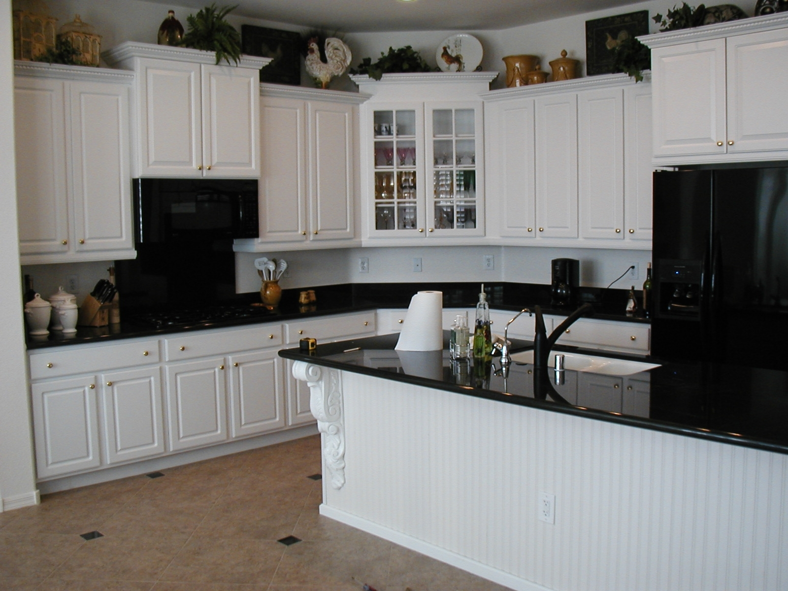 Black Kitchen Countertops With White Cabinets