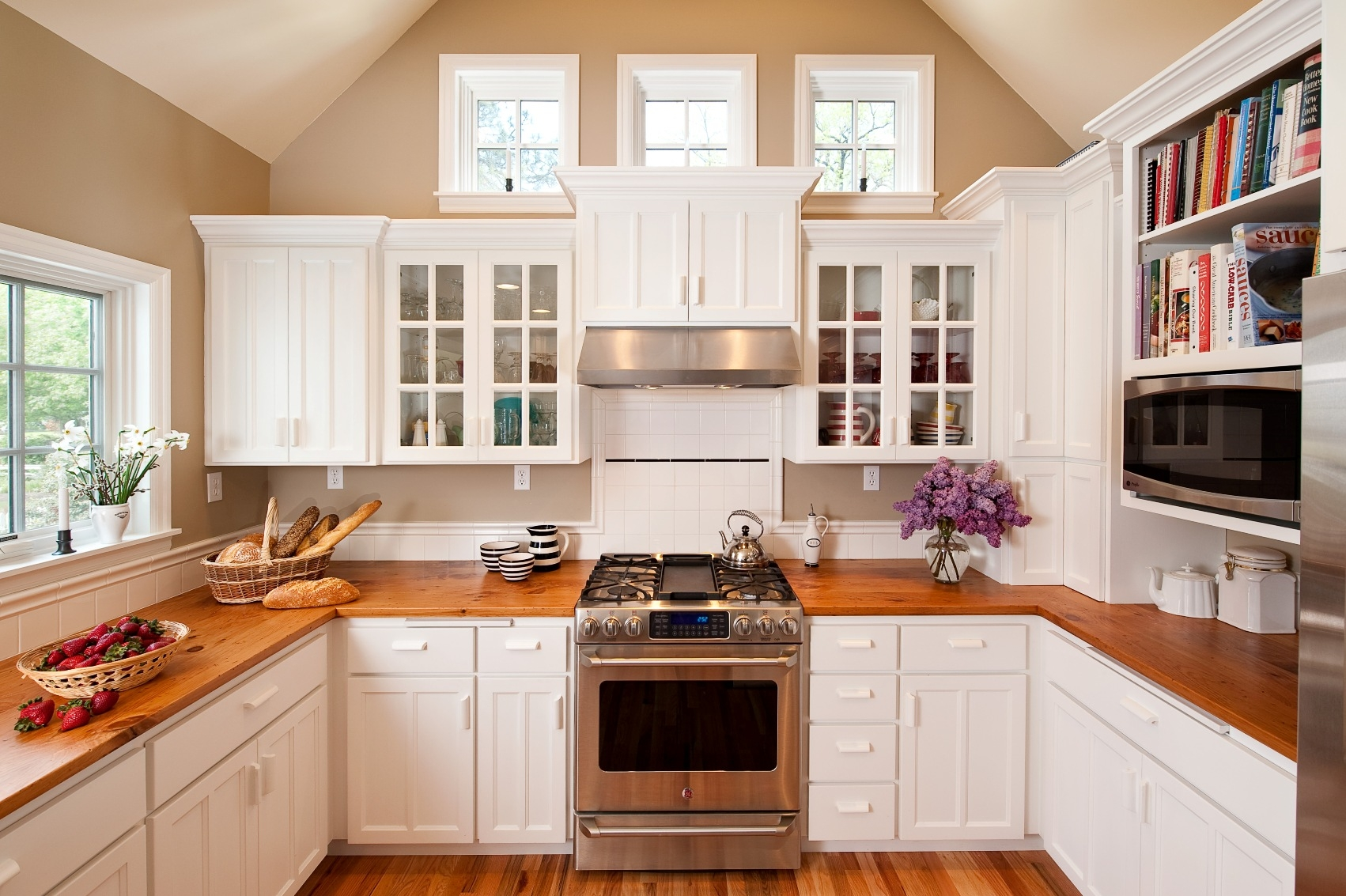 Cape Cod Style Kitchen Cabinets