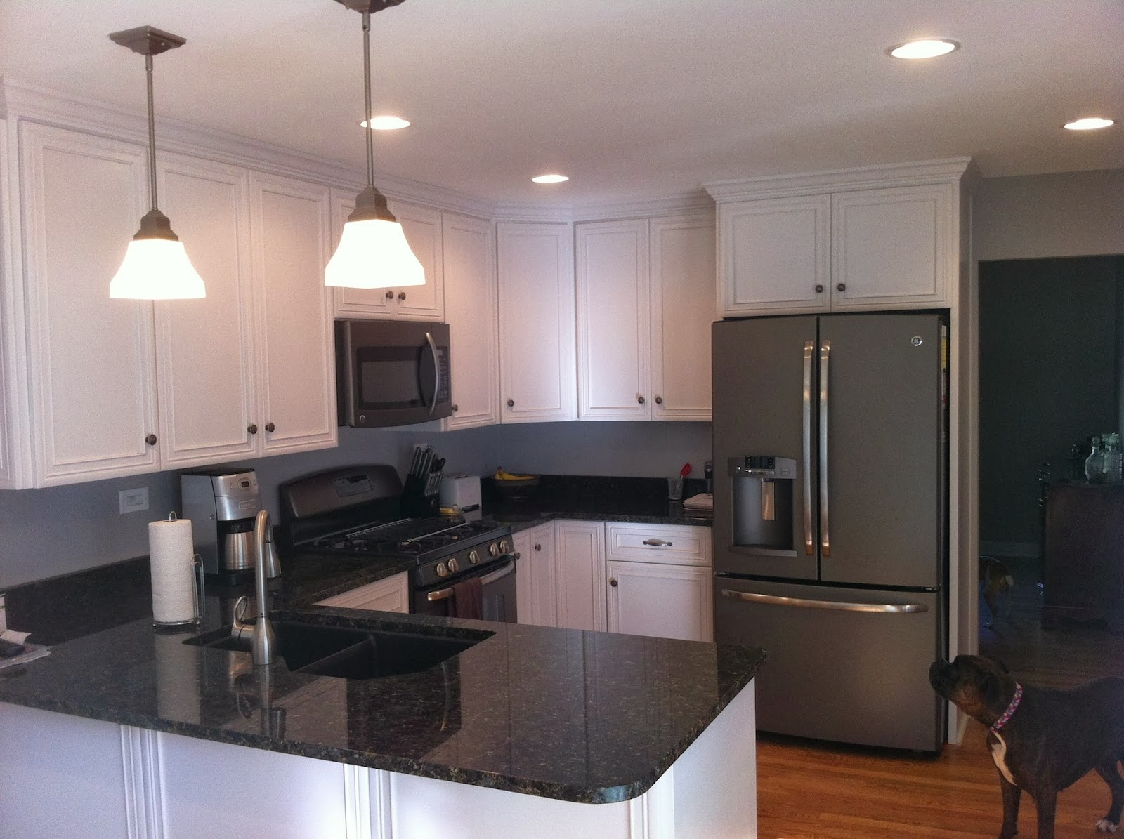 Grey Kitchen Cabinets With Slate Appliances