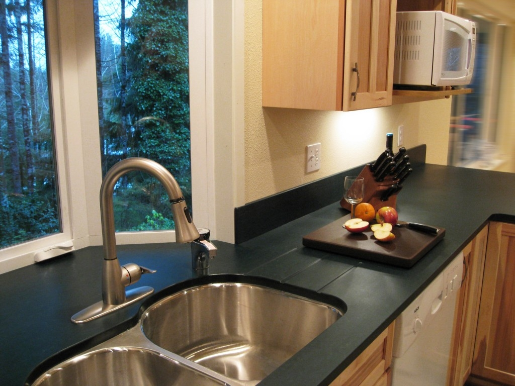 Kitchen Cabinet Top Material