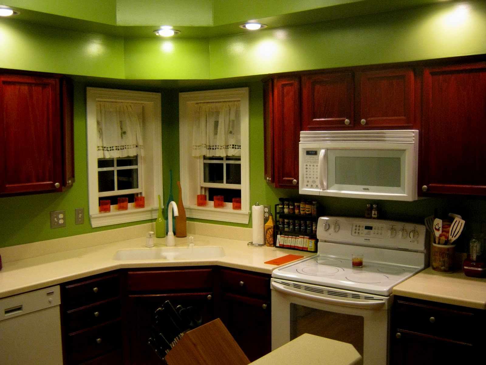 Permalink to Kitchen Wall Color Ideas With Dark Oak Cabinets