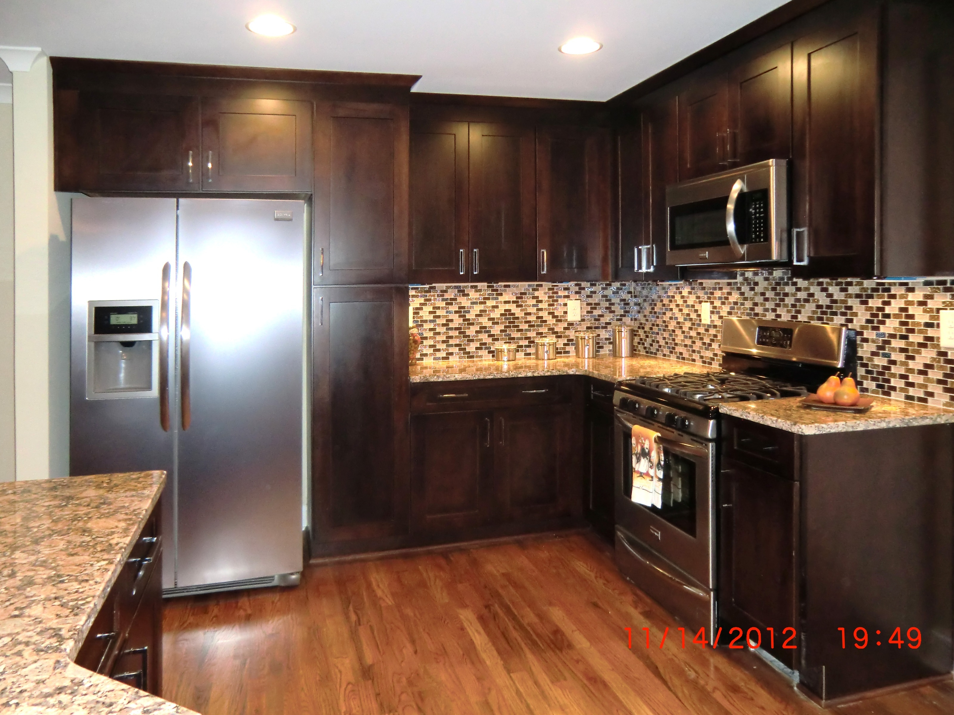 Kitchen Wall Color With Dark Oak Cabinets